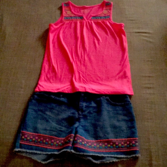Girls 2 piece top and shorts